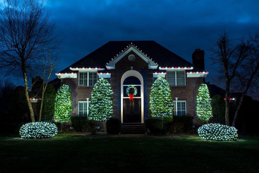 holiday-lights-landscape