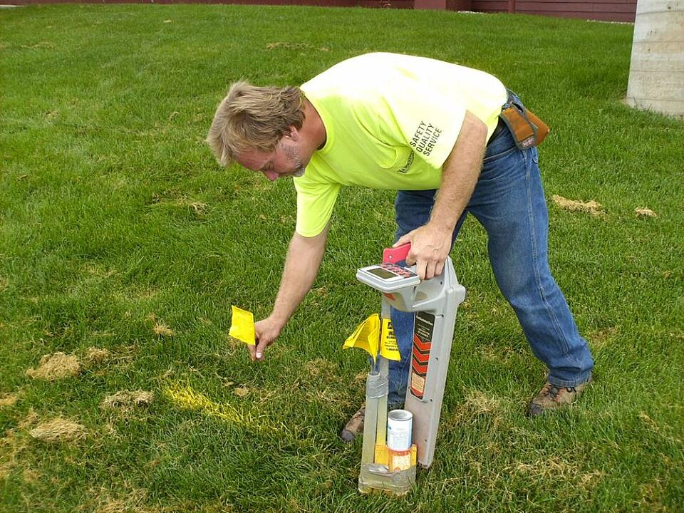 Locator marking utilities